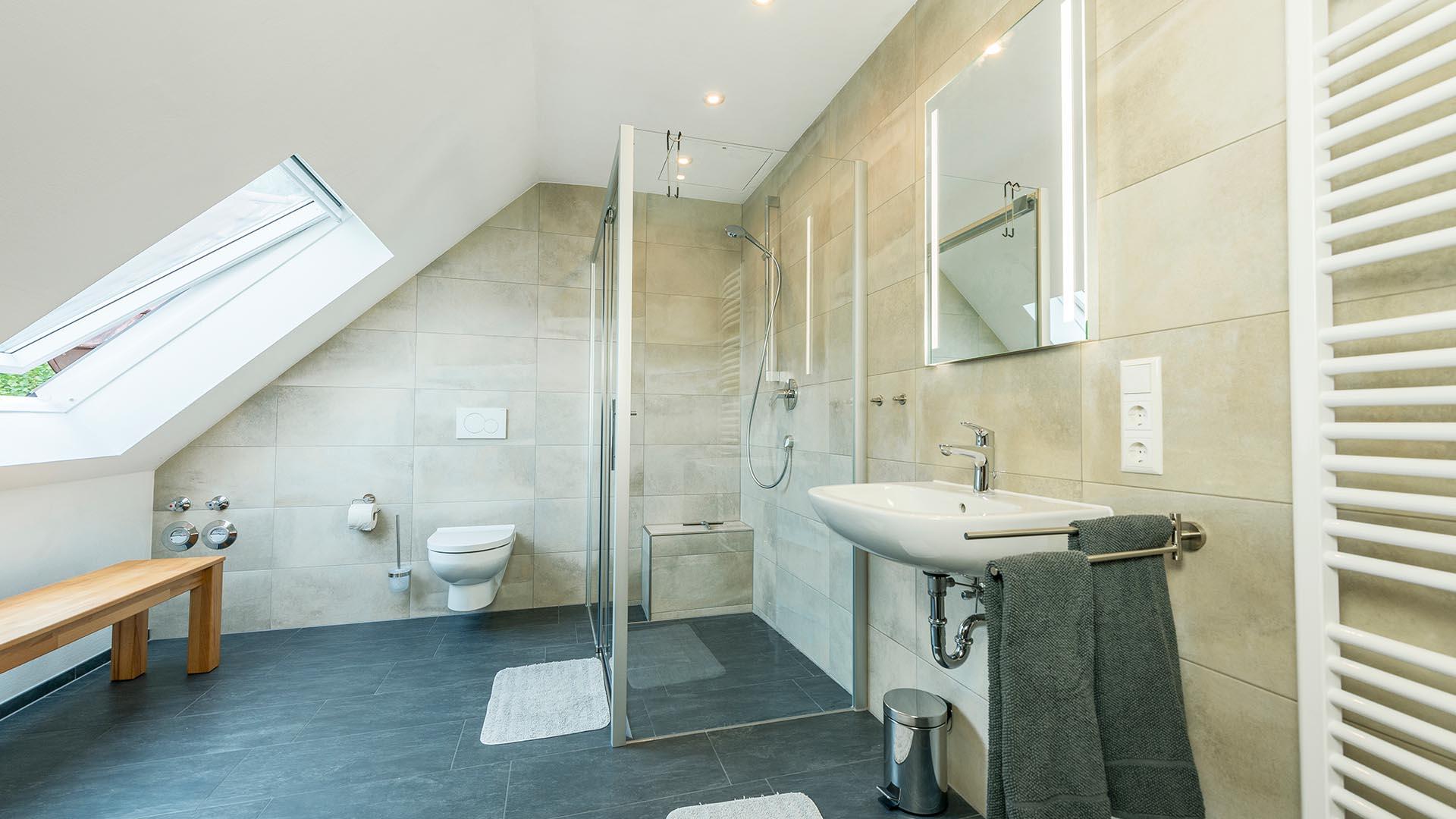 Jolly Joker Ferienwohnung - Bad und Dusche